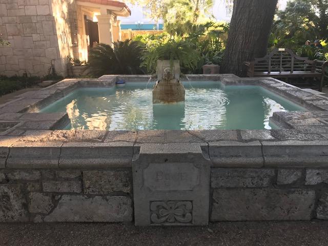 Alamo - Bowie Fountain